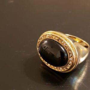 💕IMAN Oval Onyx & Crystal Fashion Ring